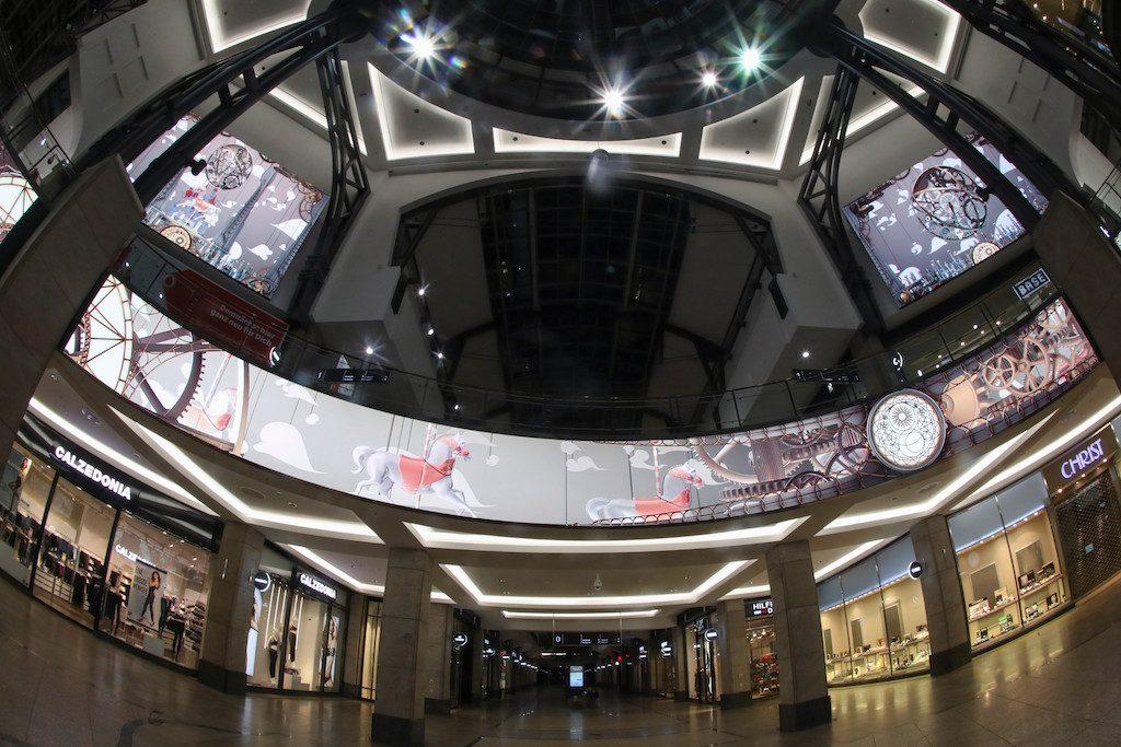 Ecran-geant-LED-interieur-Centro