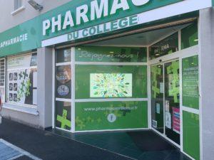 Ecran vitrine 5500nits Pharmacie Villemur