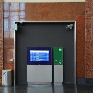 Borne d'informations et services gare
