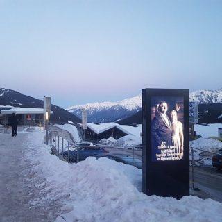 Ecran digital numerique station de ski