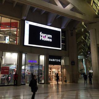 Ecran geant interieur du Forum des Halles
