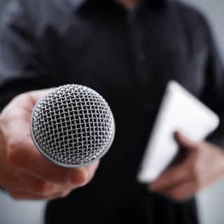 Microphone à main filaire