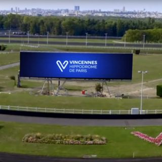 Ecran geant LED hippodrome de Paris Vincennes