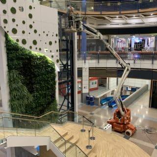 Montage d'un écran vidéo transparent au luxembourg