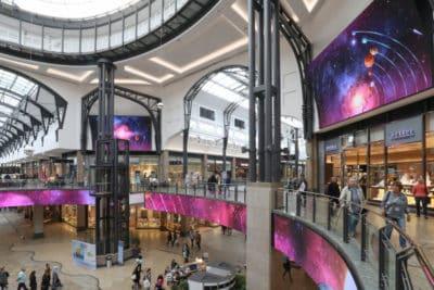 Écran géant intérieur centre commercial