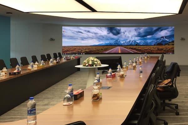 Ecran salle de conférence , mur led ecran geant
