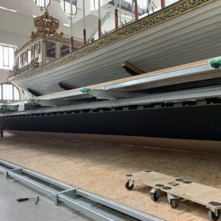 Montage d'un écran géant à Brest